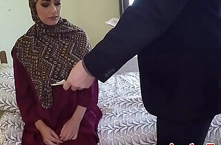 Arabic beauty tastes warm jizz for cash.  xxx porn