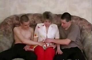 جميلة: Pretty lady seduced two guys