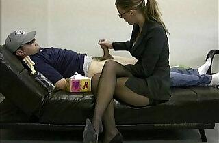 Lady masturbates her lazy employee to ignite him to work.  xxx porn