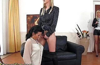 Kinky pissing les licks.  sapphic erotica   xxx porn
