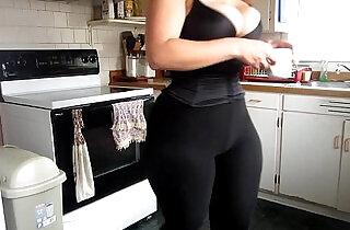 big ass curvy bbw moly wearing leggings.  xxx porn