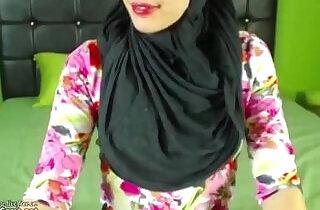 Real Hijab Arab Egypt Masturbates Her Creamy Pussy On Webcam.  xxx porn